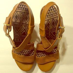 💫NEW💫Jessica Simpson Wedge Sandals - Cognac